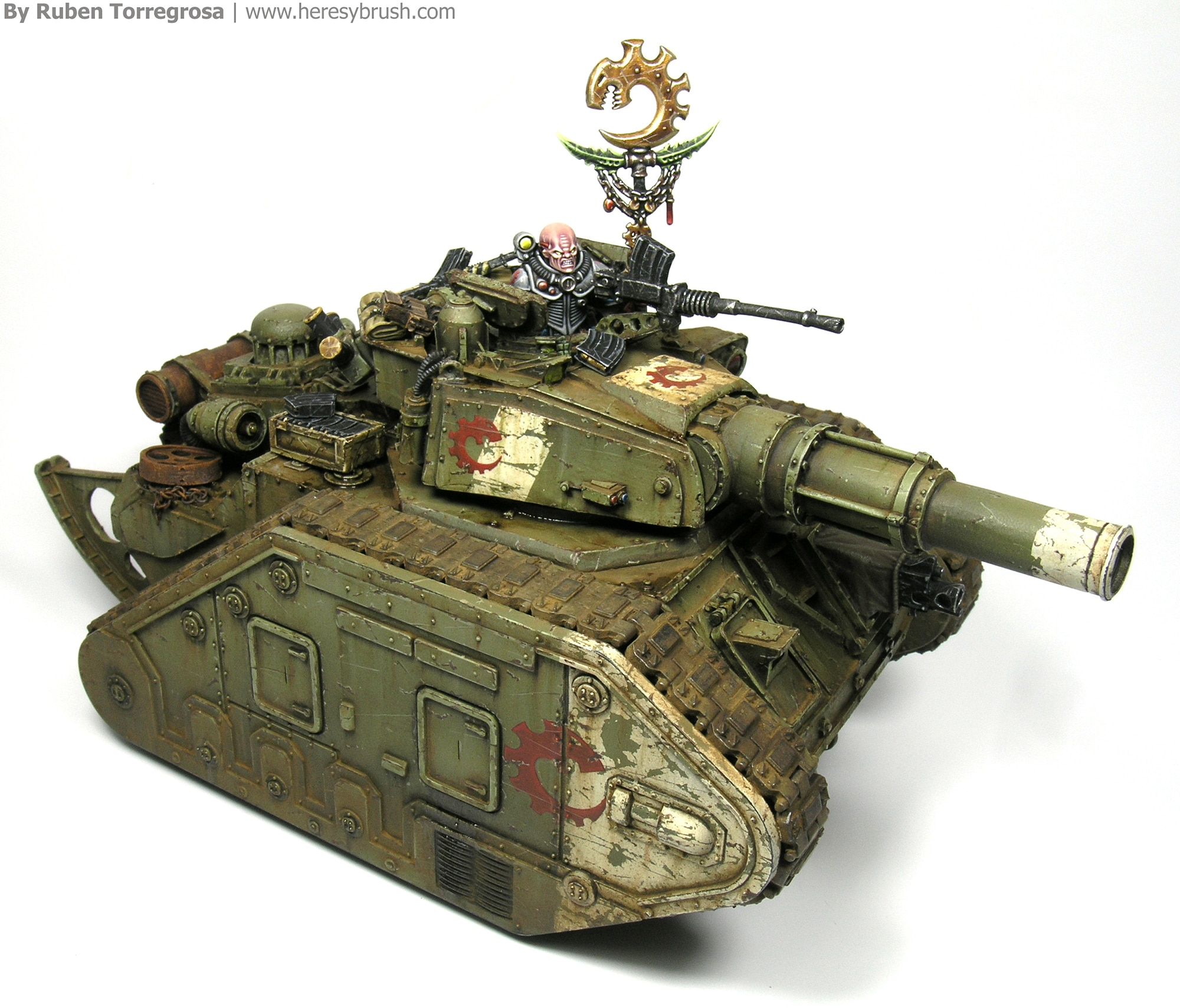How to paint Warhammer 40.000 tanks with airbrush and weathering techniques