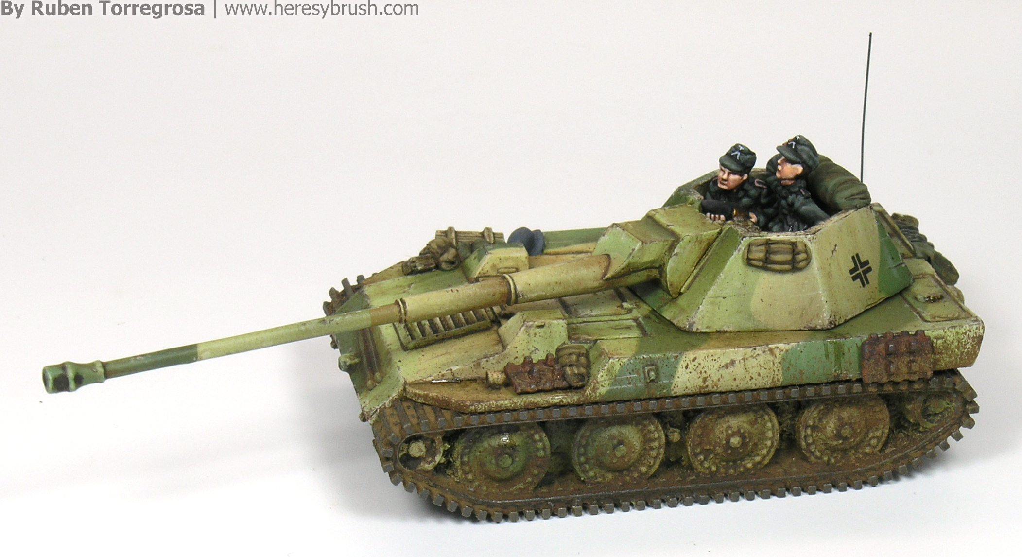 Painting 15mm tanks: Steyr tank